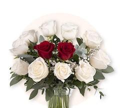 Diamenty i Serca: Białe i czerwone Róże